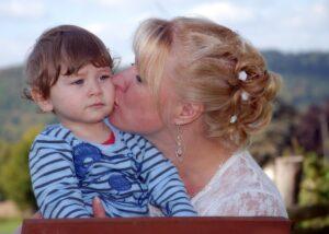 alienazione parentale madre figlio